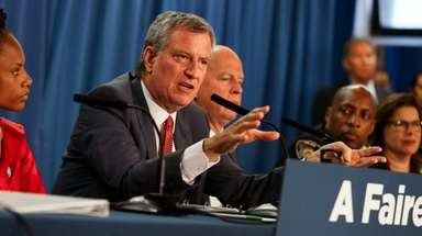 Mayor Bill de Blasio and Police Commissioner James