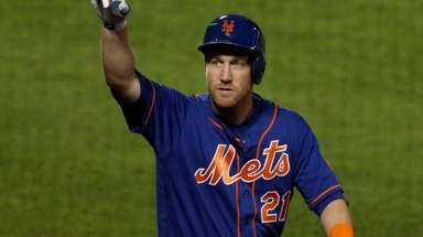 Todd Frazier of the Mets celebrates his home