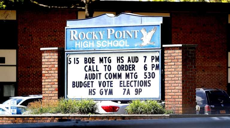 Rocky Point students shorted one hour on Spanish test | Newsday