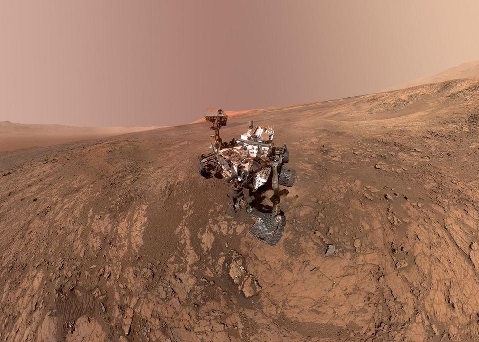 A self-portrait of NASA's Curiosity Mars rover on
