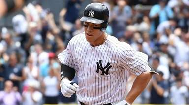 Yankees rightfielder Aaron Judge rounds the bases on