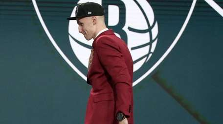 Dzanan Musa arrives on stage after he was