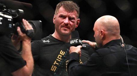 Stipe Miocic speaks to Joe Rogan after defeating