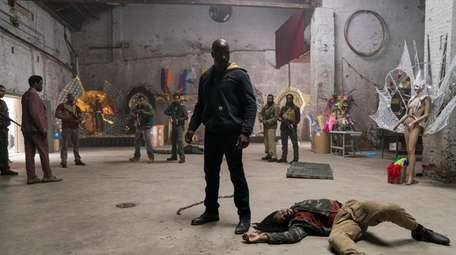 """Mike Colter in Season 2  of """"Marvel's"""