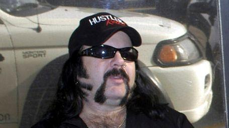 Vinnie Paul in Amarillo, Tex., 2004. Alice Cooper