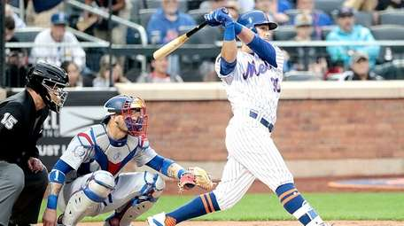 Mets left fielder Michael Conforto with the double