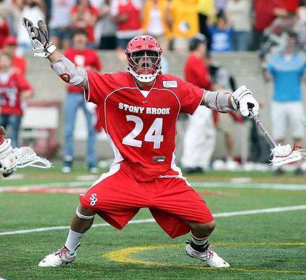 Stony Brook long pole defender Steven Waldek (24)