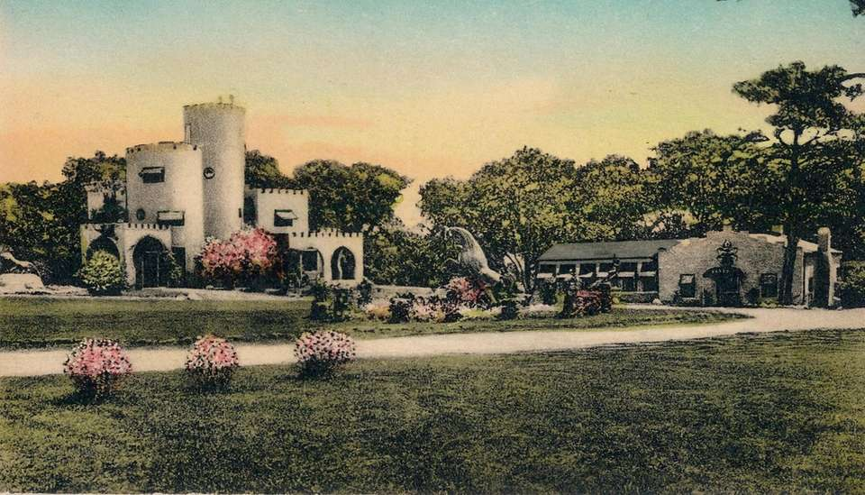 A vintage postcard shows Casa Basso in Westhampton,