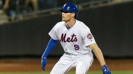 Brandon Nimmo of the New York Mets leads