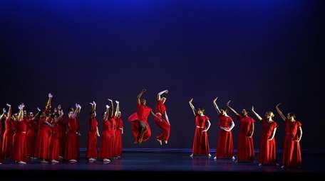 "Students perform ""Panorama"" from the Martha Graham repertory."