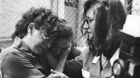 Marie Alonso, left, mother of Joel Rifkin victim