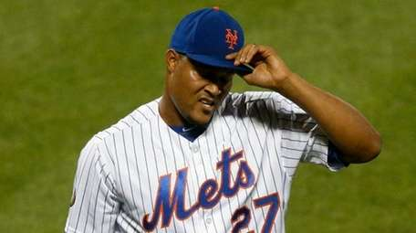 Mets closer Jeurys Familia walks to the dugout