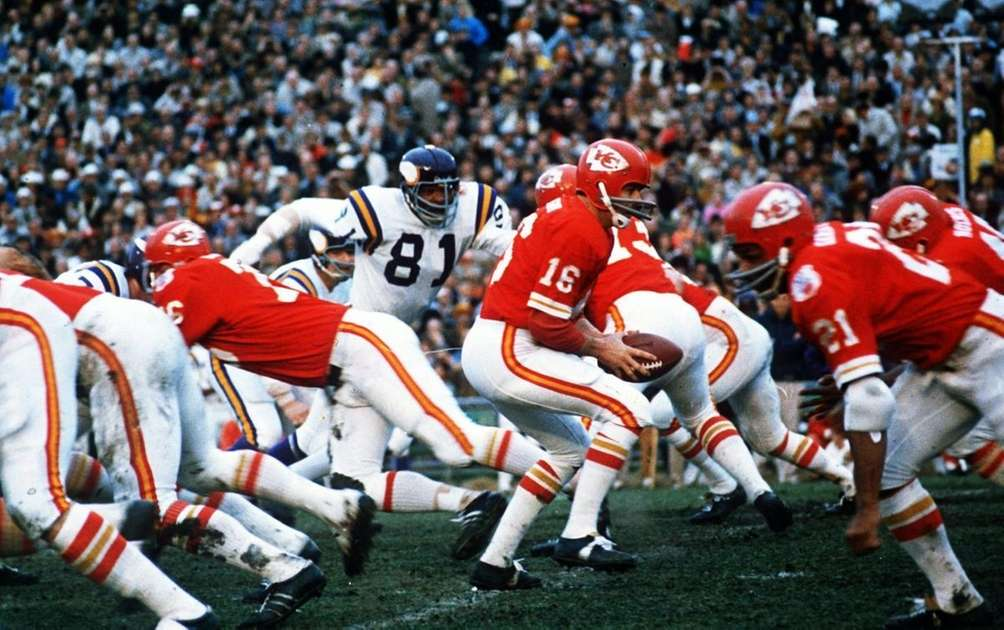 SUPER BOWL IV: KANSAS CITY 23, MINNESOTA 7
