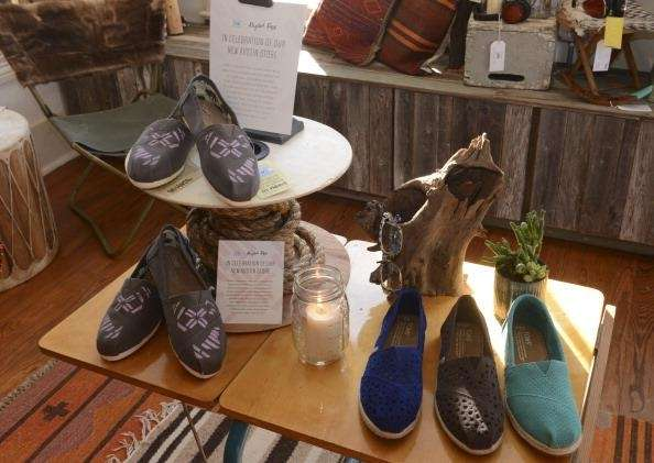 TOMS offers 10 percent discounts to students and
