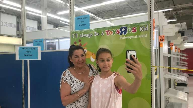 Long Islanders say goodbye to Toys R Us; the last stores close ...