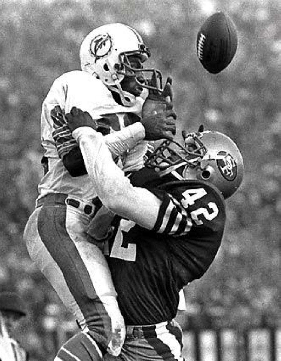 SUPER BOWL XIX: SAN FRANCISCO 38, MIAMI 16