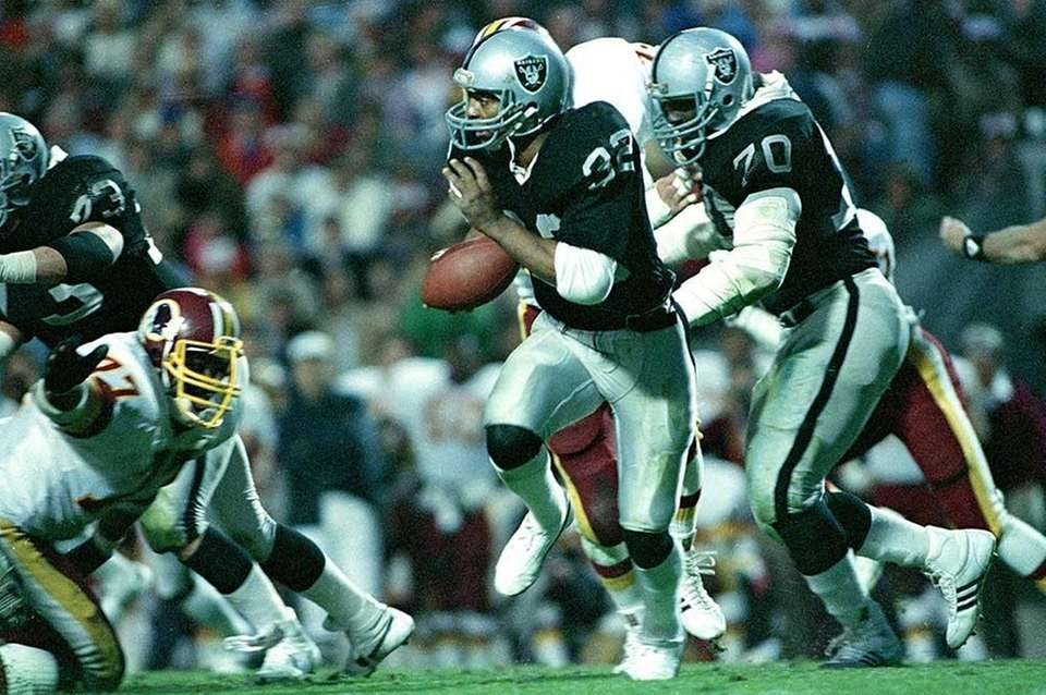 SUPER BOWL XVIII: L.A. RAIDERS 38, WASHINGTON 9