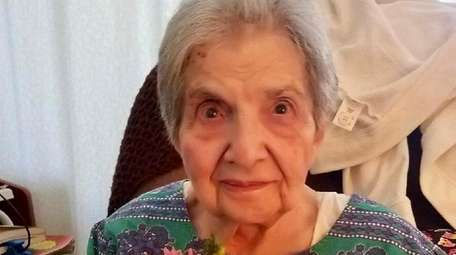 Gloria Rita Byers, a longtime Plainview resident, died