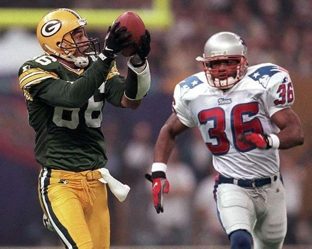 SUPER BOWL XXXI: GREEN BAY 35, NEW ENGLAND