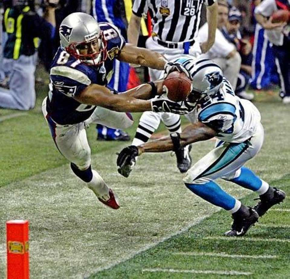 SUPER BOWL XXXVIII: NEW ENGLAND 32, CAROLINA 29