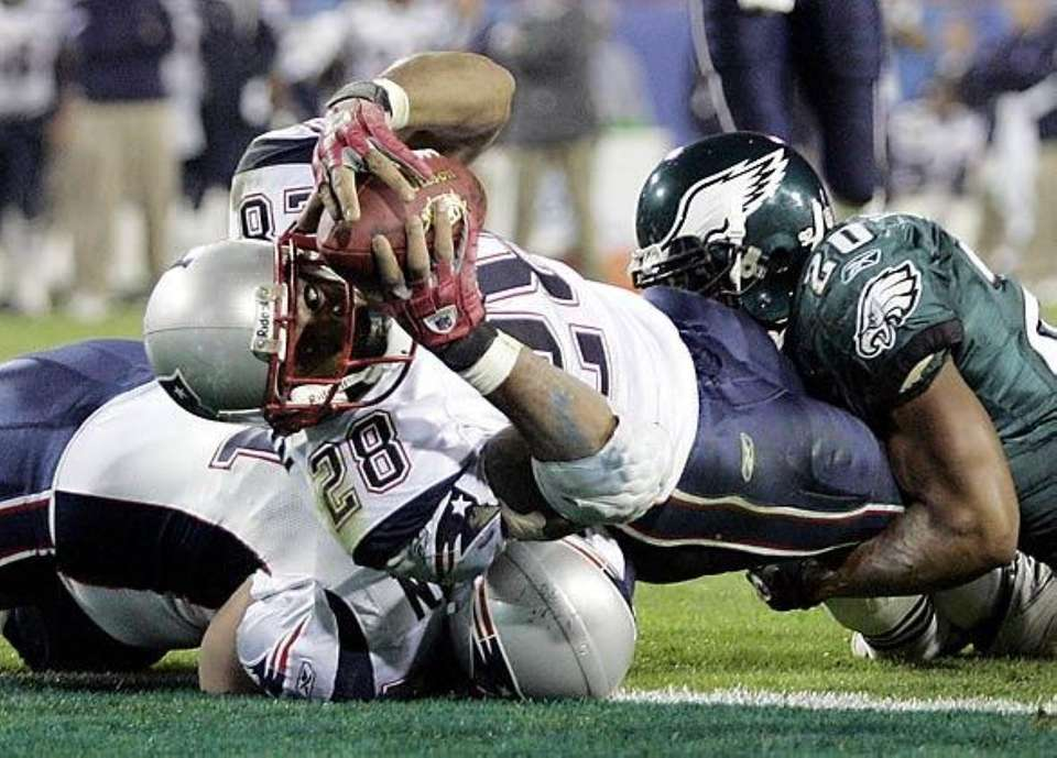 SUPER BOWL XXXIX: NEW ENGLAND 24, PHILADELPHIA 21