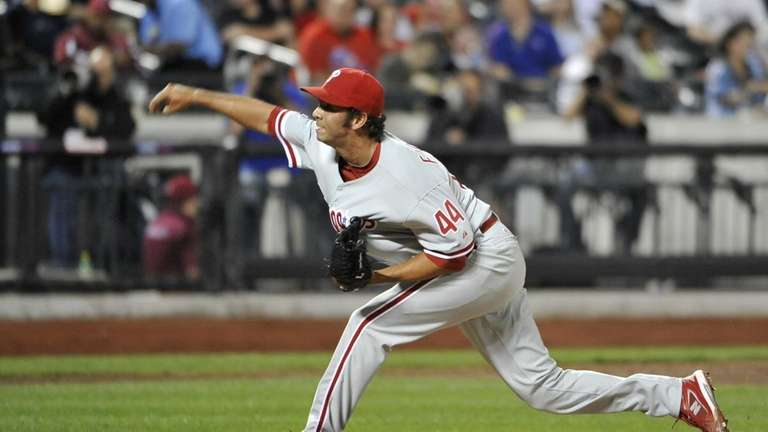 Phillies' Nelson Figueroa pitches against the Mets in