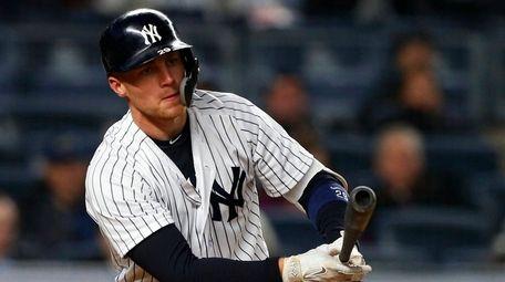 Pinch hitter Brandon Drury of the Yankees strikes