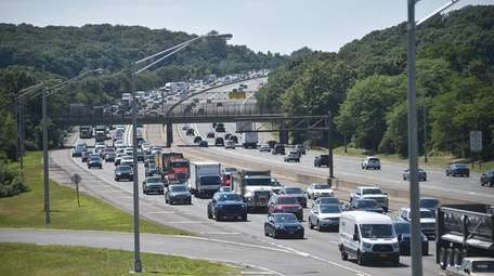 Traffic begins to build on the eastbound Long