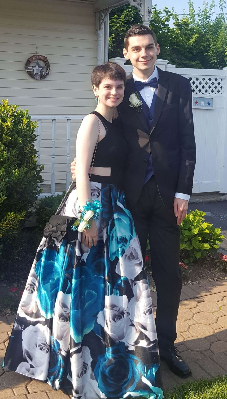 A trendy style seen at multiple proms was