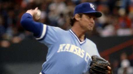 Royals pitcher Steve Busby pitches against the Orioles