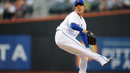 New York Mets pitcher Hisanori Takahashi (47) throws