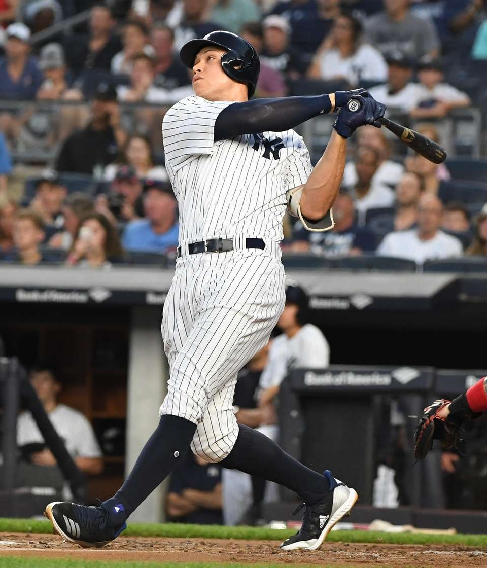Aaron Judge follows through on his solo home