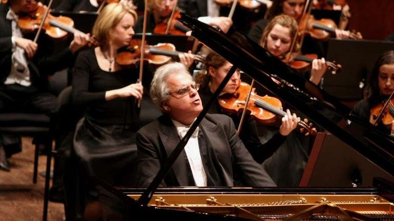 Joseph Kalichstein is the piano soloist for the