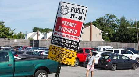Under new pricing for Oyster Bay Town parking