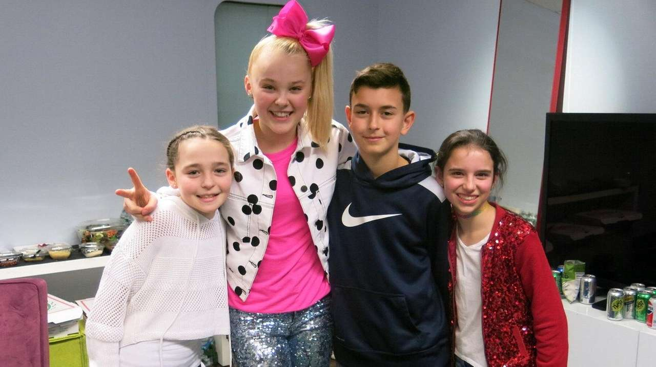 Social Media Star Jojo Siwa Meets Li Kids Newsday
