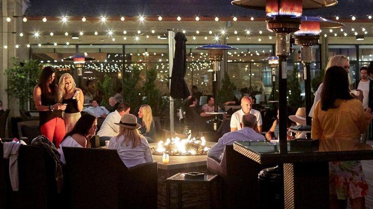 The Regent Cocktail Club, in Gurney's Montauk Resort