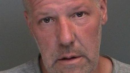 Dennis Kravette of Islandia allegedly stole 90 batteries