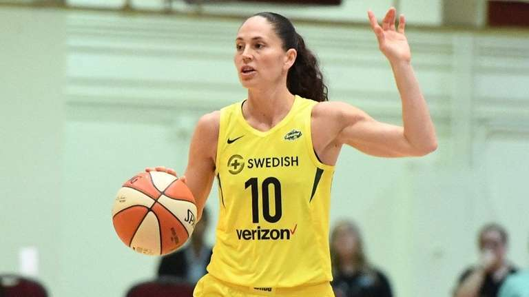 Storm guard Sue Bird brings the ball up