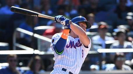 Mets' Brandon Nimmo doubles against the Tampa Bay