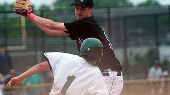 (L) Lindenhurst #1 Ken Gentile steals 2nd against