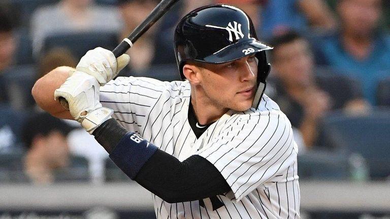 Yankees infielder Brandon Drury looks for his pitch
