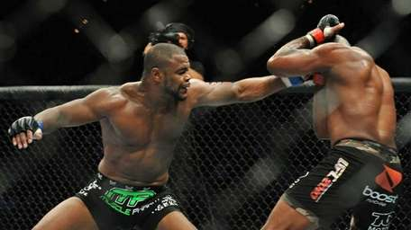 Rashad Evans won a unanimous decision over of