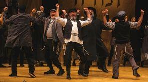 Steven Skybell stars as Teyve in National Yiddish