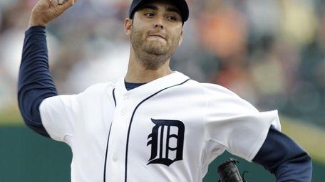 Detroit Tigers pitcher Armando Galarraga throws against the