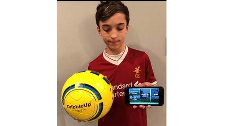 Kidsday reporter Francesco Vecchio with the DribbleUp soccer