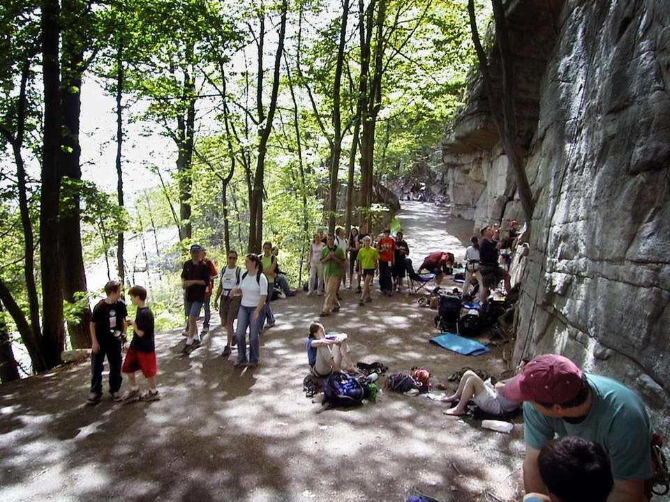 Climbers and hikers gather on Undercliff Carriage Road