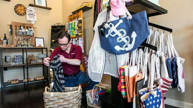 Nonprofit Shop In Hicksville Helps Prepare People With Disabilities For The Job Market Newsday