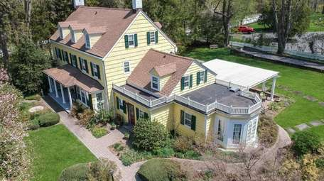 The five-bedroom Oyster Bay Cove home was built