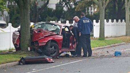 Scene of crash that occurred around 5:20 a.m.
