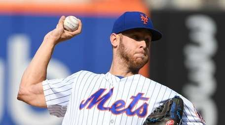 Mets starting pitcher Zack Wheeler delivers a pitch